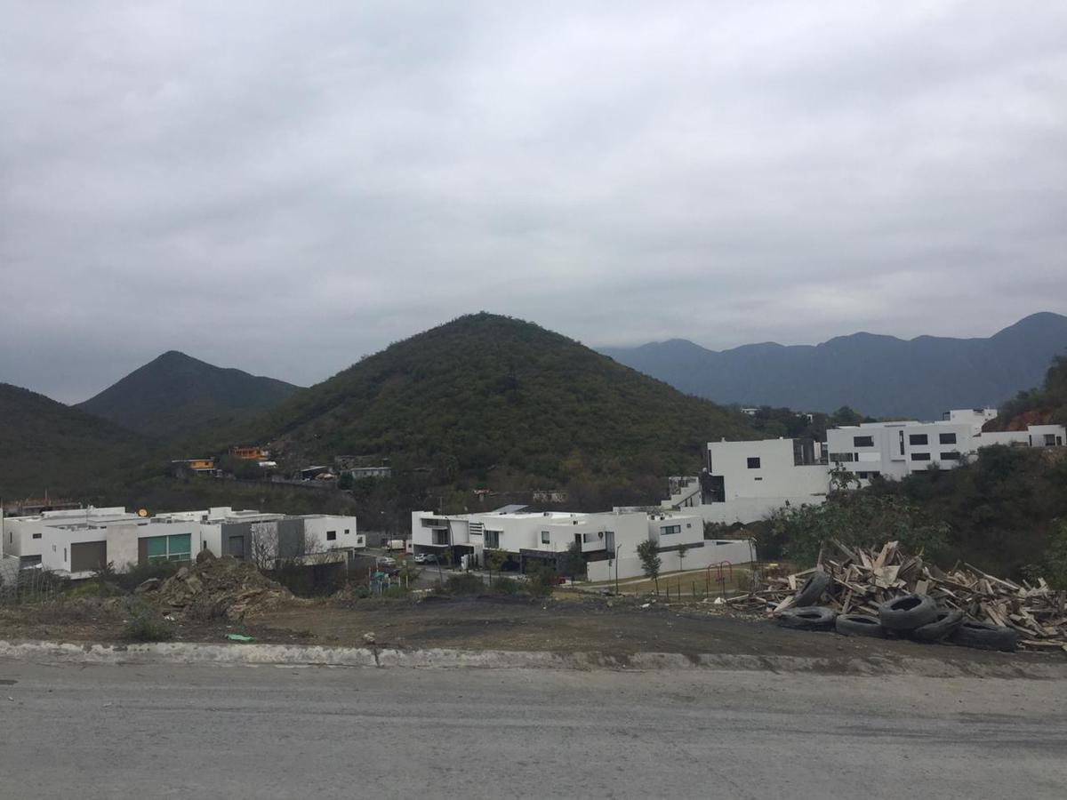 Foto Terreno en Venta en  Carolco,  Monterrey  TERRENO VENTA CAROLCO RESIDENCIAL CARRETERA NACIONAL