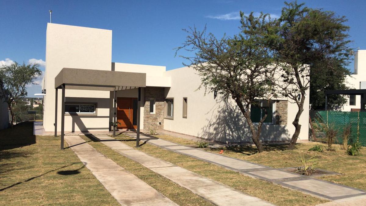 Foto Casa en Venta en  Las Cañitas Barrio Privado,  Malagueño  Las Cañitas Camino a Falda del Carmen