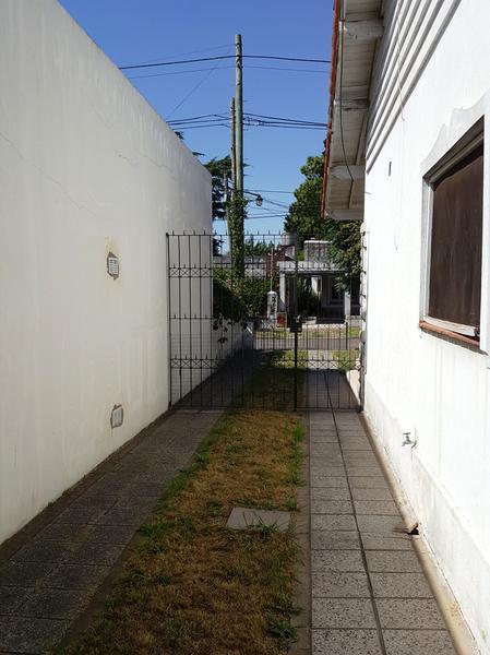 Foto Casa en Venta en  Adrogue,  Almirante Brown  ROSALES  245 ENTRE QUINTANA Y PELLGRINI