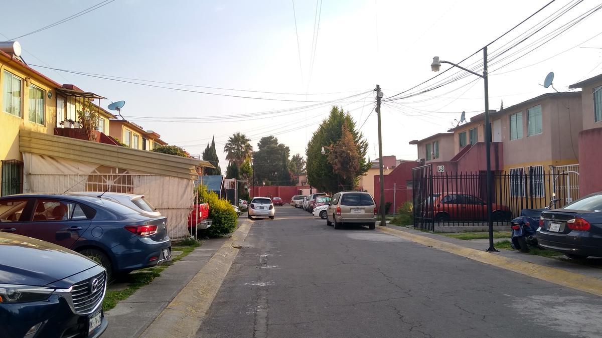 Foto Casa en Venta en  El Olimpo,  Toluca  Casa en Venta El Olimpo Toluca aplica Infonavit y Fovissste 3 recámaras