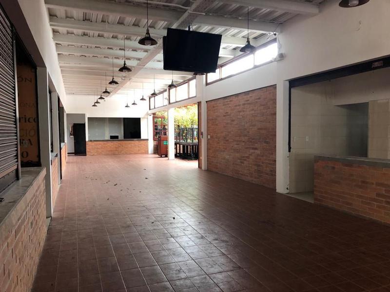 Foto Local en Alquiler en  Centro Norte,  Quito  La Mariscal, amplio local, ideal para restaurante