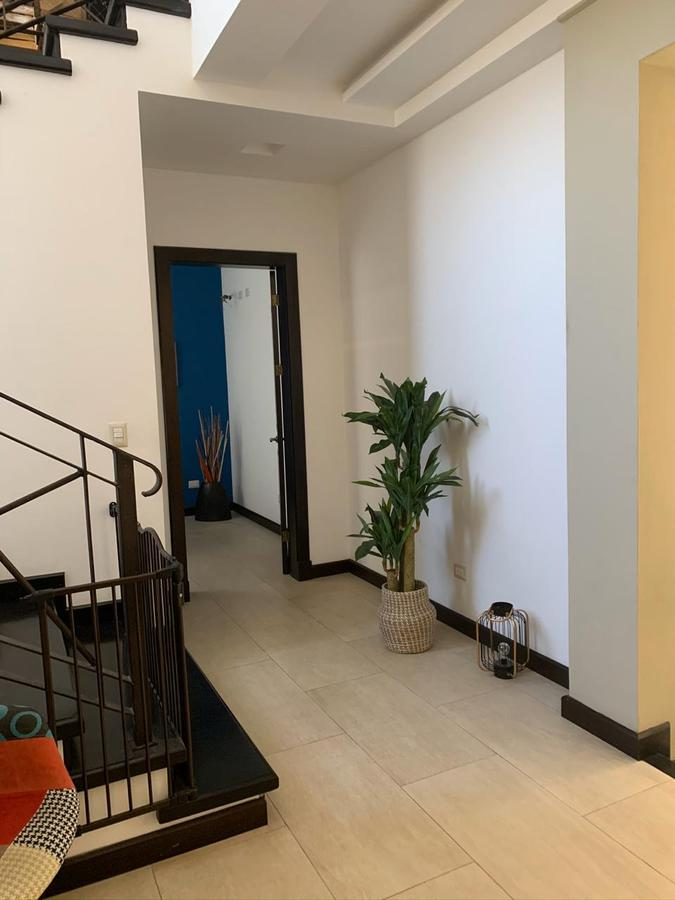 Foto Casa en condominio en Venta | Renta en  Piedades,  Santa Ana  Piedades de Santa Ana / 4 habitaciones / Amplio Jardín/  Piscina