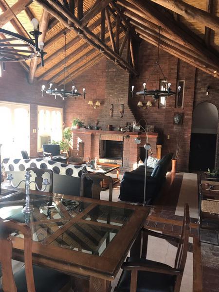 Foto Casa en Venta | Alquiler en  Amancay ,  Santa Lucia  Roque Saenz Peña