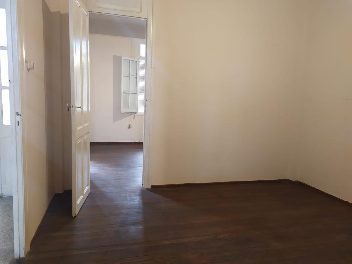Foto Apartamento en Alquiler en  Ciudad Vieja ,  Montevideo  Cerrito al 700