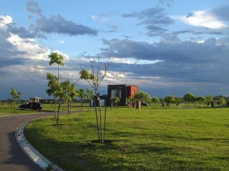 Foto Terreno en Venta |  en  El Canton,  Countries/B.Cerrado  El Cantón, Barrio Norte