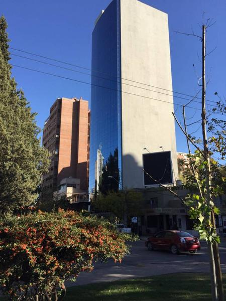 Foto Oficina en Venta en  Área Centro Este ,  Capital  Área Centro Este