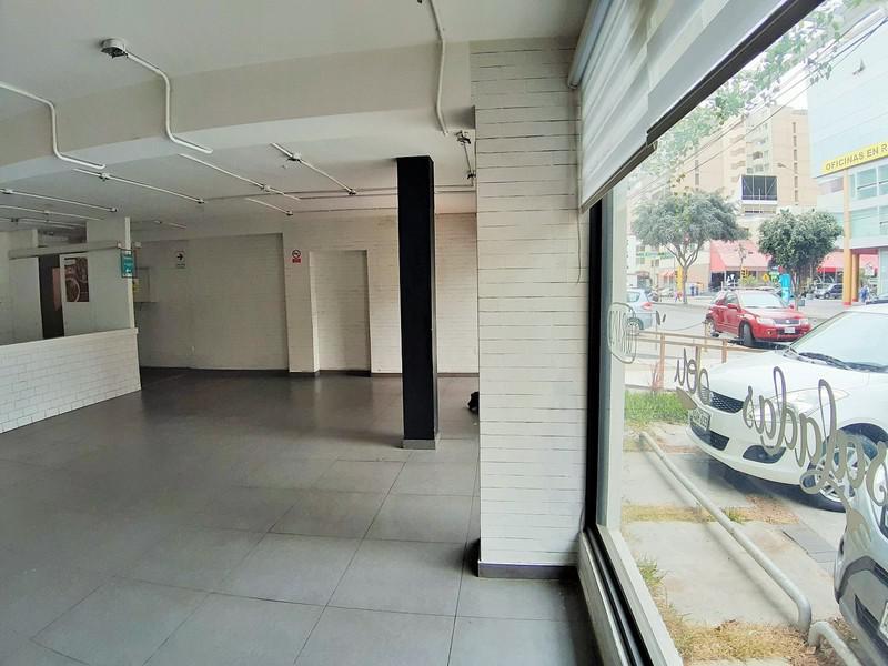 Foto Local en Venta en  Miraflores,  Lima  Av Benavides 540