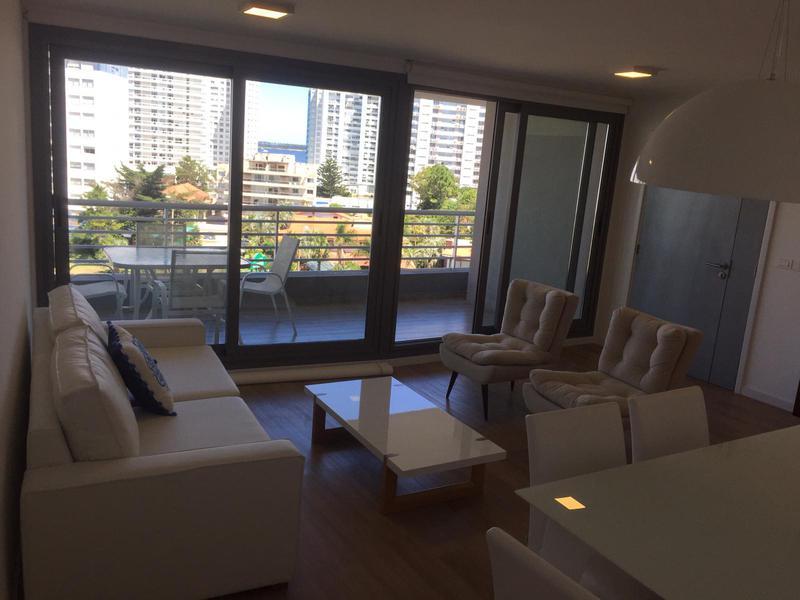 Foto Departamento en Venta en  Playa Mansa,  Punta del Este  Apartamento central en Alexander Boulevard. ¡Imperdible!