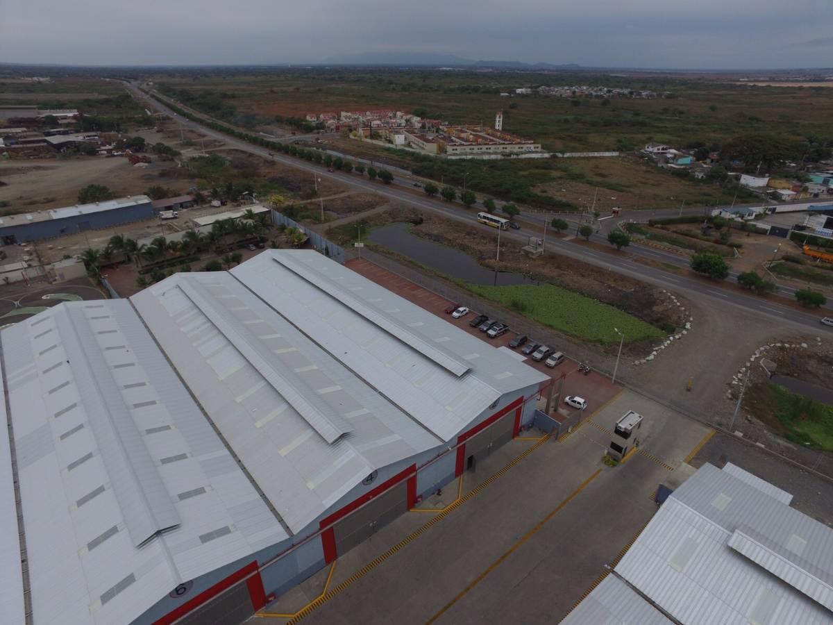 Foto Bodega en Alquiler en  Norte de Guayaquil,  Guayaquil  Alquilo Excelente Galpon Industrial, Duran, 1.300 m²