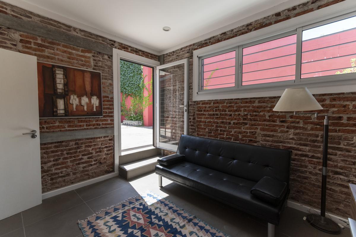 Foto Casa en Venta en  Pocitos ,  Montevideo  Mac Eachen próx. Av. Rivera