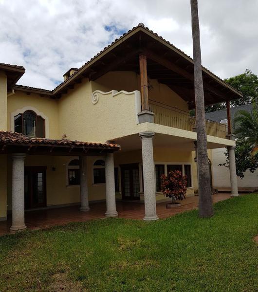 Foto Casa en Venta en  San Ignacio,  Tegucigalpa  Elegante Residencia con Piscina, San Ignacio, Tegucigalpa