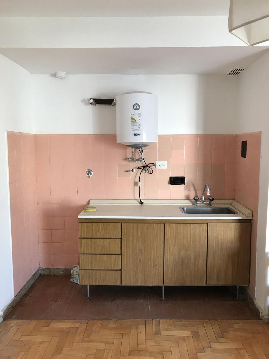 Foto Departamento en Alquiler en  Caballito ,  Capital Federal  Hidalgo al 800