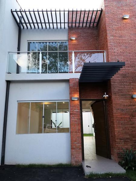 Foto Casa en Venta en  Luque,  Luque  Villa Policial