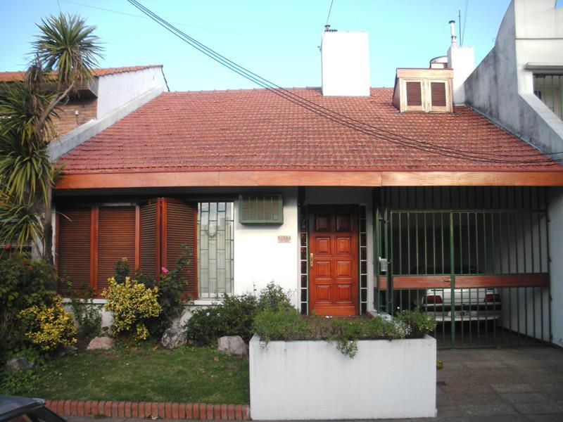 Foto Casa en Venta en  Munro,  Vicente Lopez  Del Campo, Estanislao al 2000