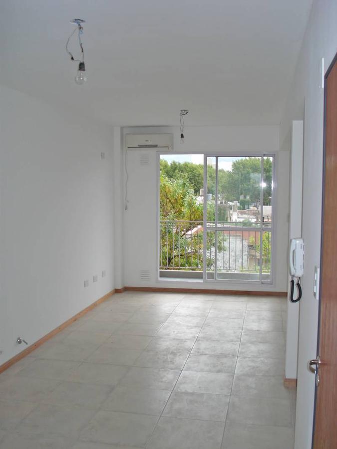 Foto Departamento en Alquiler en  Macrocentro,  Rosario  Urquiza al 3200
