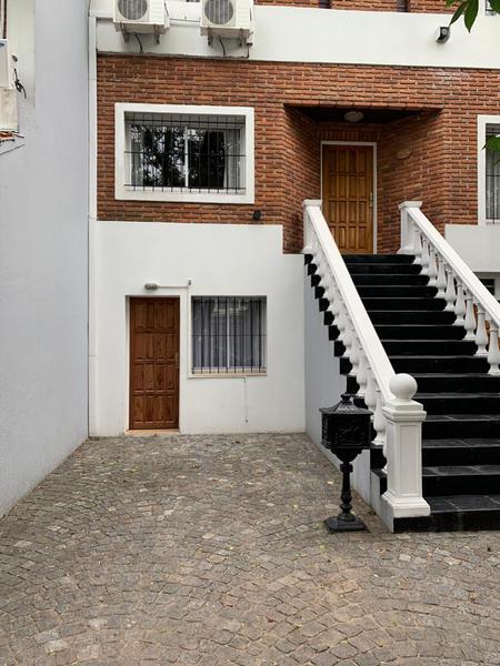 Foto Oficina en Alquiler en  Olivos,  Vicente Lopez  Caseros al 4200