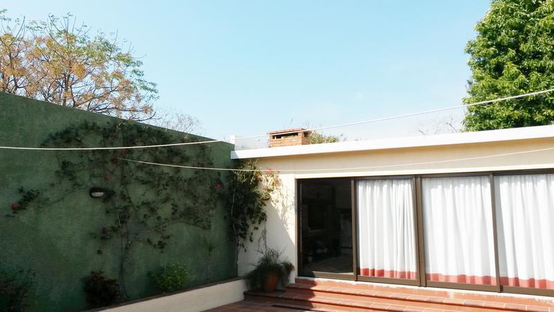 Foto Casa en Venta en  Buceo ,  Montevideo  Impecable estado. Toda la comodidad, MUY SEGURA