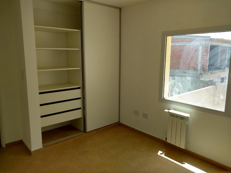 Foto Casa en Venta en  Capital ,  Neuquen  LORENZO CREASE