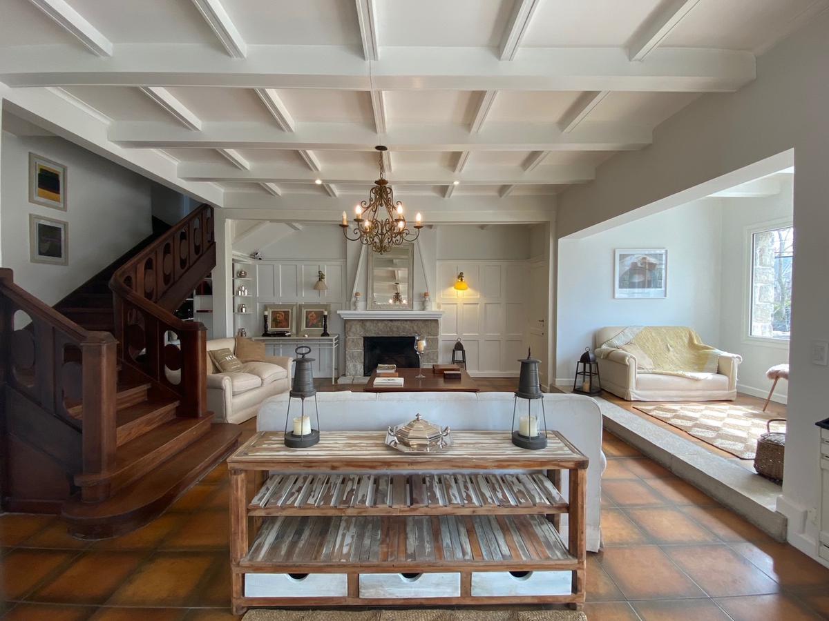 Foto Casa en Alquiler temporario en  Stella Maris,  Mar Del Plata  Alberti 500 - Stella Maris - Mar del Plata