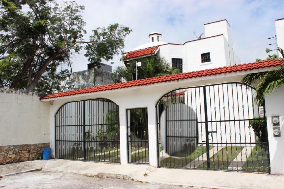 Foto Casa en Venta en  Bosque Real,  Solidaridad  CASA 3 REC. AMUEBLADA BOSQUE REAL