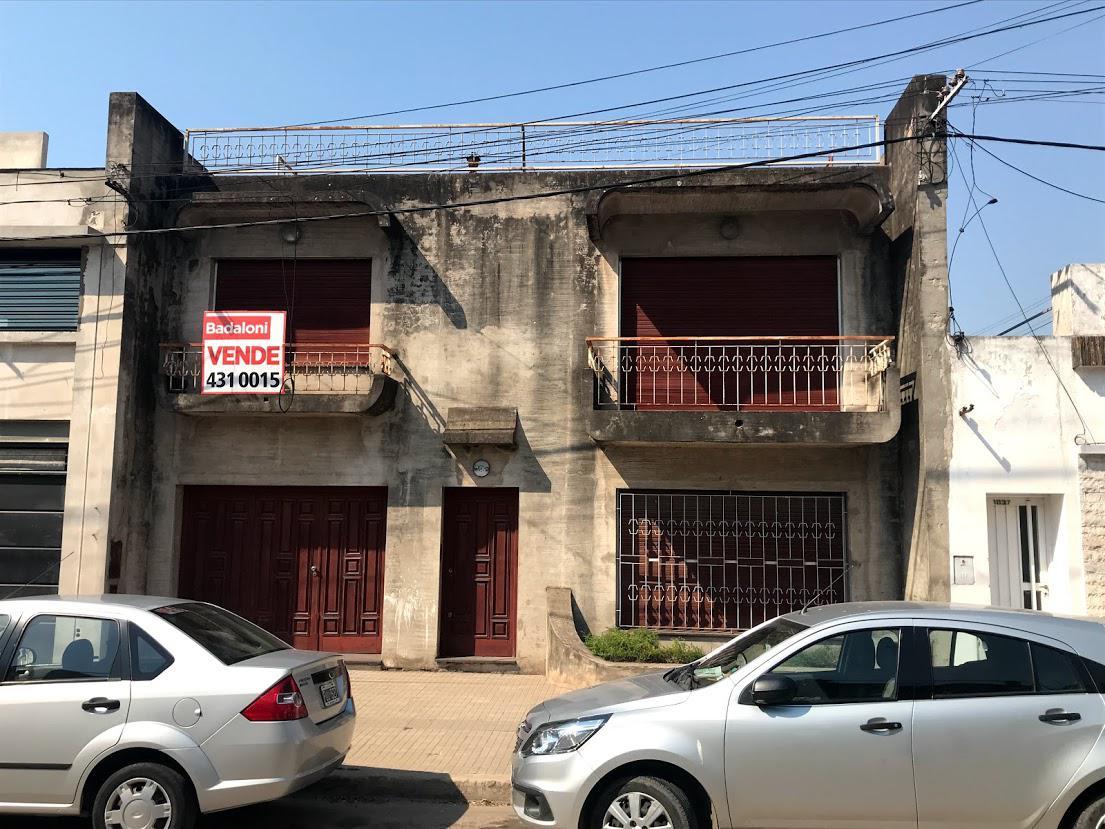 Foto Casa en Venta en  Tiro Suizo,  Rosario  Benito Juárez al 1000