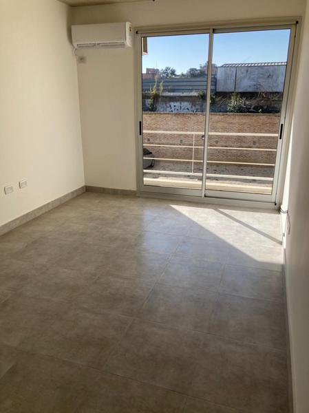 Foto Departamento en Alquiler en  Escobar ,  G.B.A. Zona Norte  Rivadavia 735