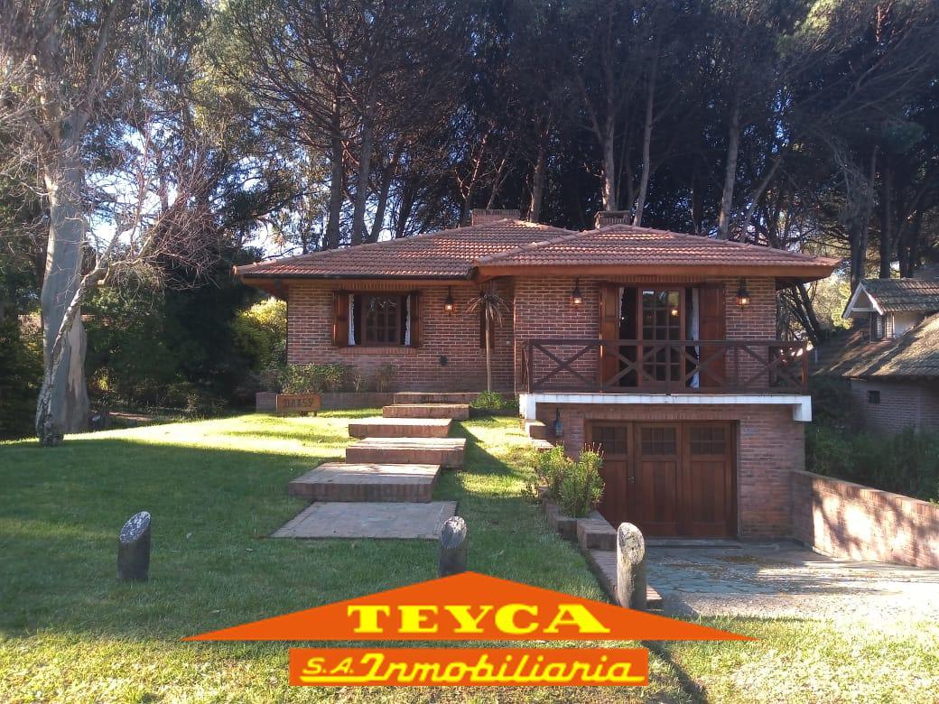 Foto Casa en Venta en  Lasalle,  Pinamar  Calandria 641 E/ Sub. Peral y F. Victoria