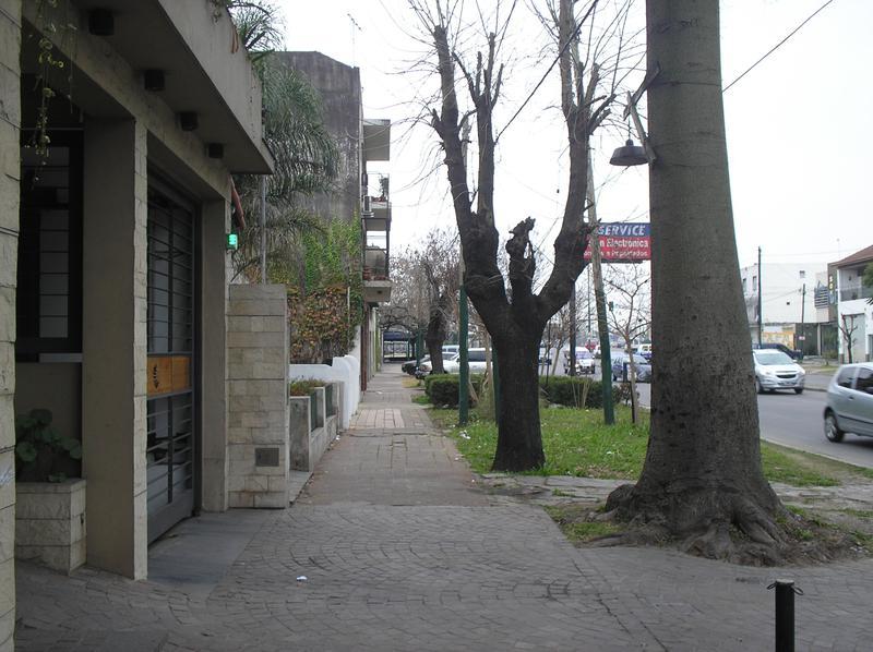 Foto Oficina en Venta en  Turdera,  Llavallol  Av. H. Yrigoyen al 12000