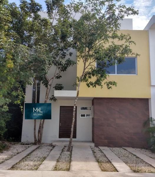 Foto Casa en Venta en  Aqua,  Cancún   Aqua Residencial, Casa en Venta para Estrenar. 3 Recámaras con Alberca. Supermanzana  309. Cancún,  Quintana Roo