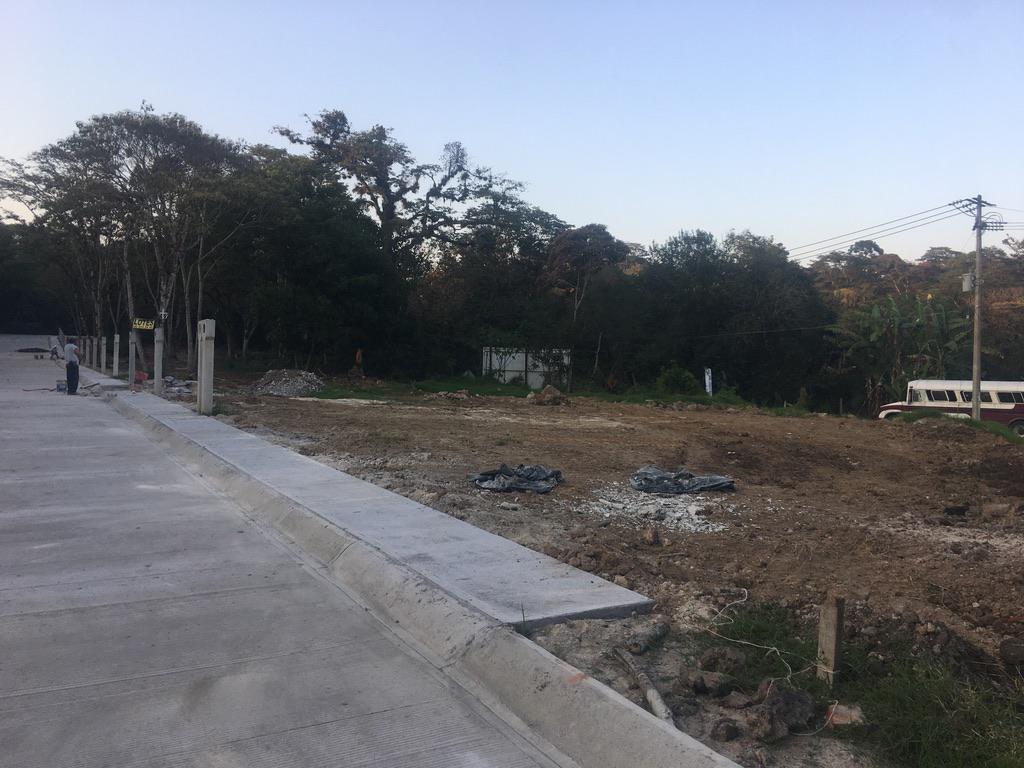 Foto Terreno en Venta |  en  Fraccionamiento San José,  Coatepec  TERRENO EN VENTA EN COATEPEC VER, L9 M4, 133M2