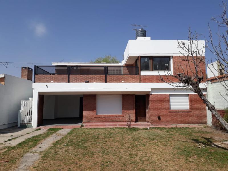 Foto Casa en Venta en  Pellegrini,  Alta Gracia  Oportunidad de Inversión - 2 Casas en 1 !