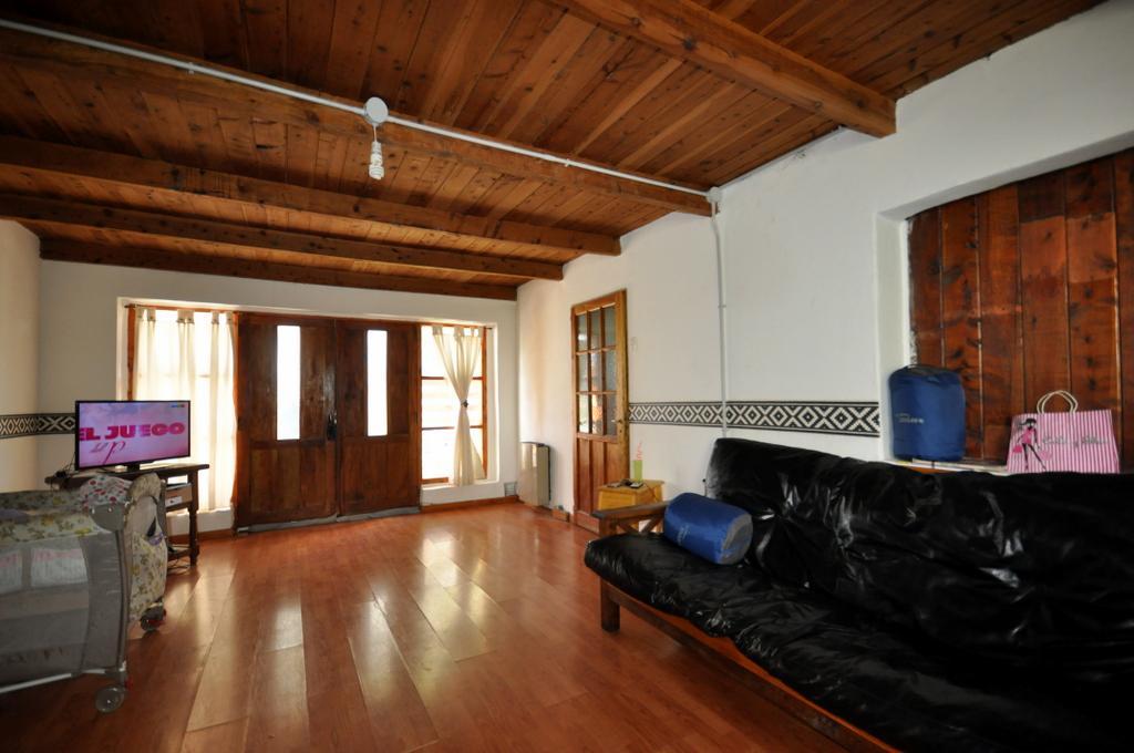 Foto Casa en Venta |  en  El Hoyo,  Cushamen  RR3477