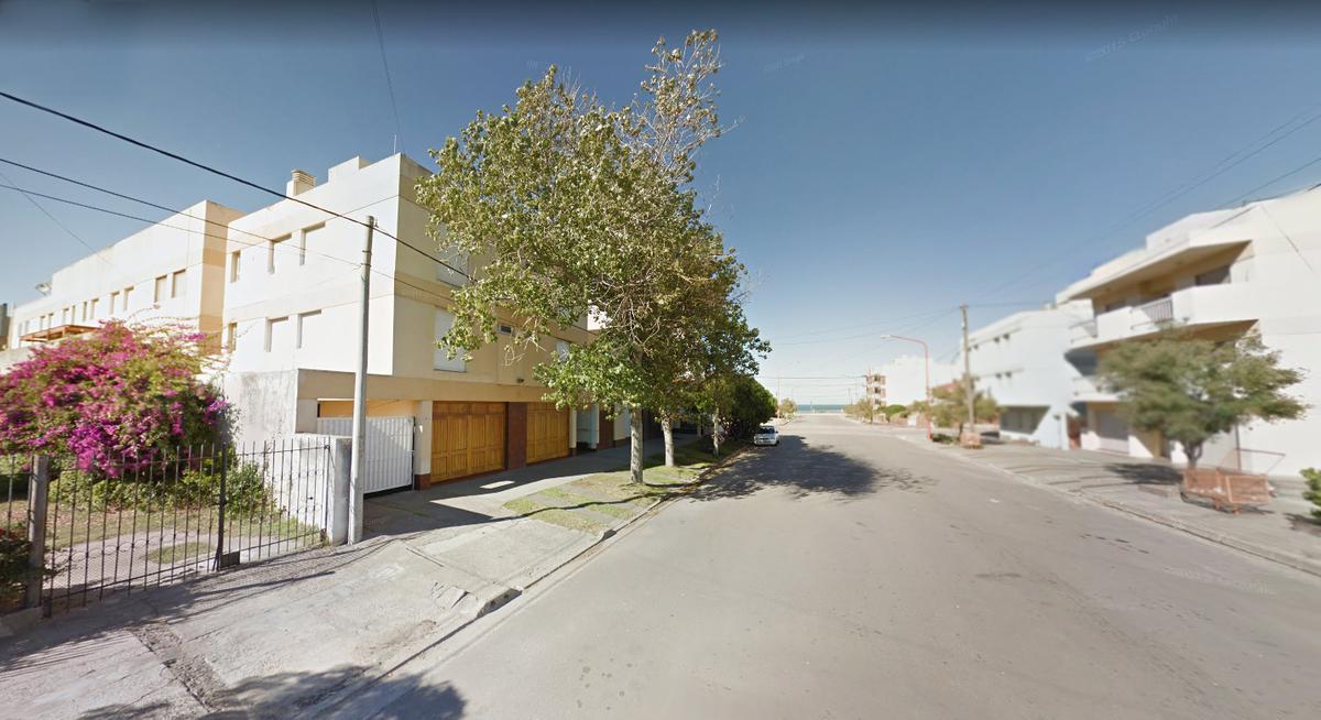 Foto Departamento en Venta en  Monte Hermoso ,  Costa Atlantica  Luzurriaga al 100