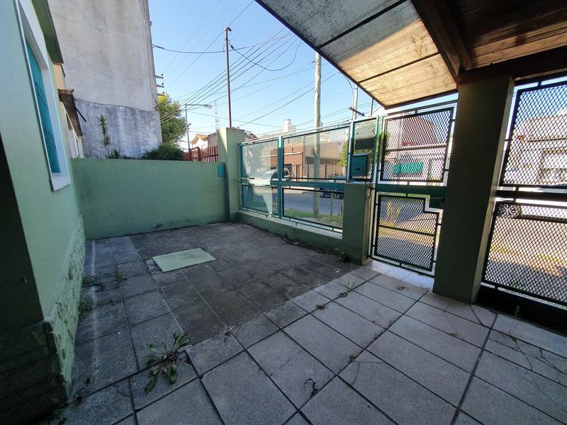 Foto Casa en Venta en  Villa Ballester,  General San Martin  Sarmiento al 5500 Entre Falucho y San Lorenzo