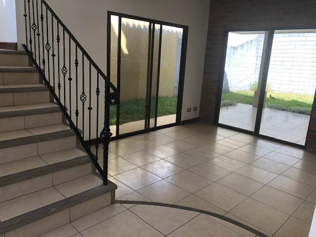 Foto Casa en condominio en Renta en  Ribera,  Belen  Belén /Casa 3 habitaciones/ Seguridad/ tranquilidad