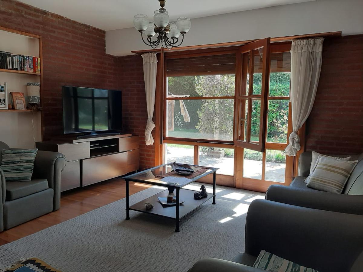 Foto Casa en Venta en  Mar Del Plata ,  Costa Atlantica  Saavedra al 4500