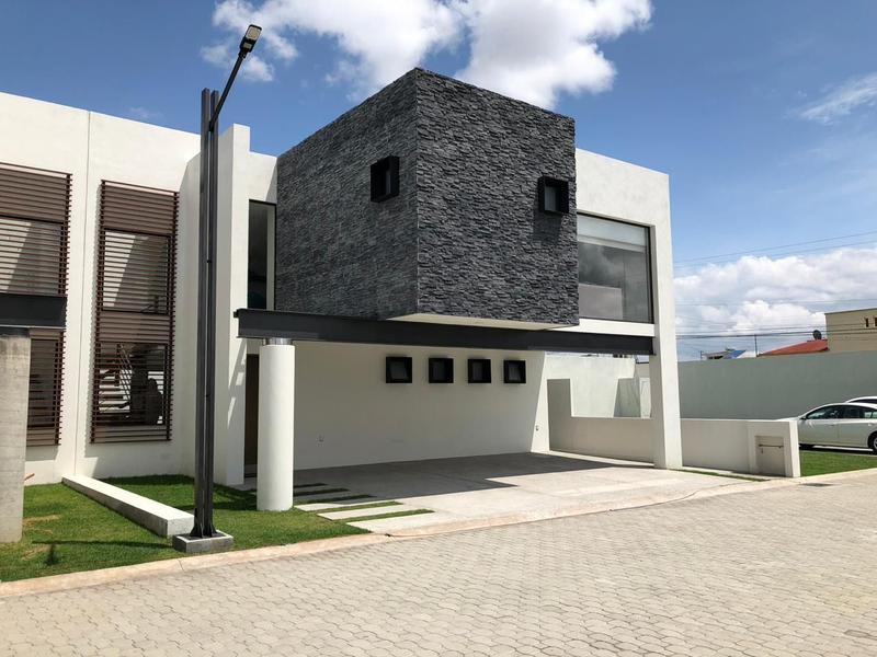Foto Casa en condominio en Venta en  Coaxustenco,  Metepec  Metepec