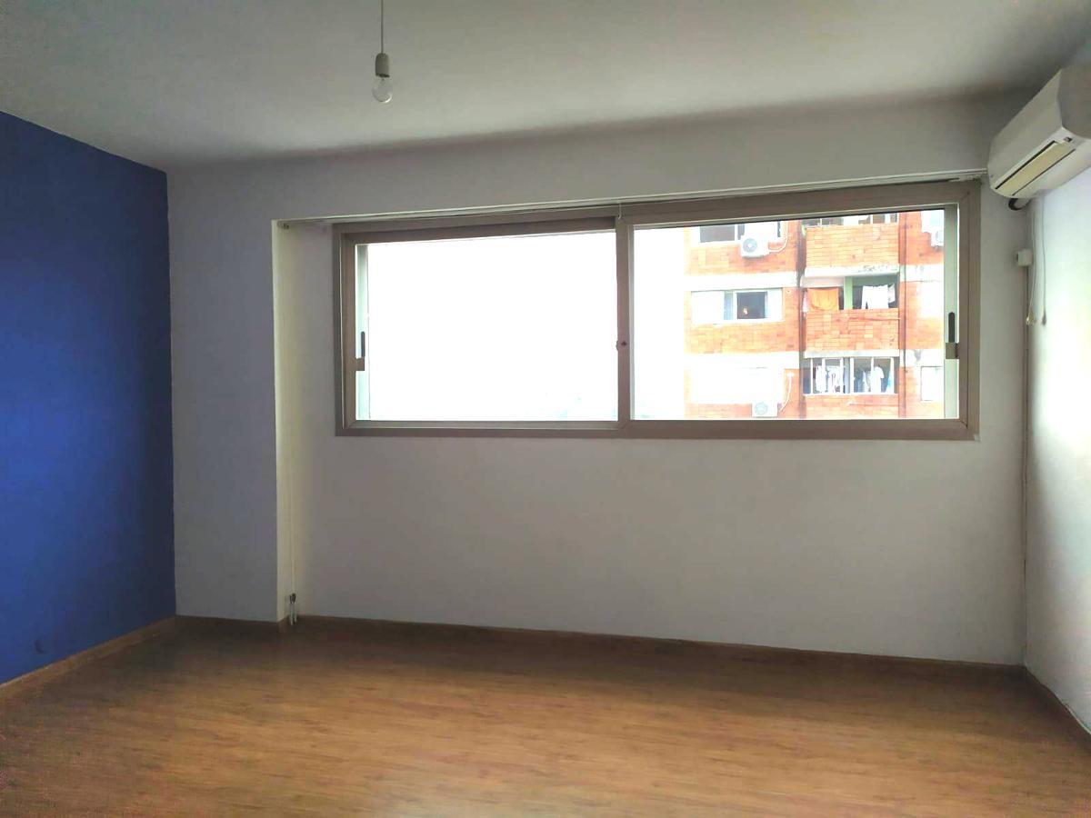 Foto Apartamento en Alquiler en  La Blanqueada ,  Montevideo  Joanico al 3300