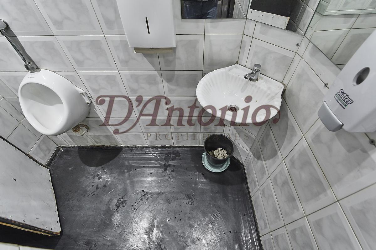 Foto Local en Venta en  Paternal ,  Capital Federal  San Blas al 1600
