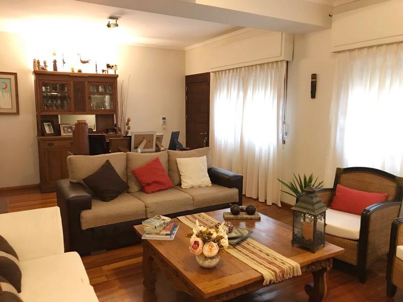 Foto Casa en Venta en  Pocitos ,  Montevideo  MUY BUENA PROPIEDAD EN ZONA TRANQUILA DE POCITOS.-