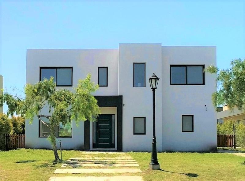 Foto Casa en Venta en  San Alfonso ,  Pilar Del Este  Av. Dr. Honorio Pueyrredón 5500, BARRIO SAN ALFONZO Pilar Del Este, Pilar