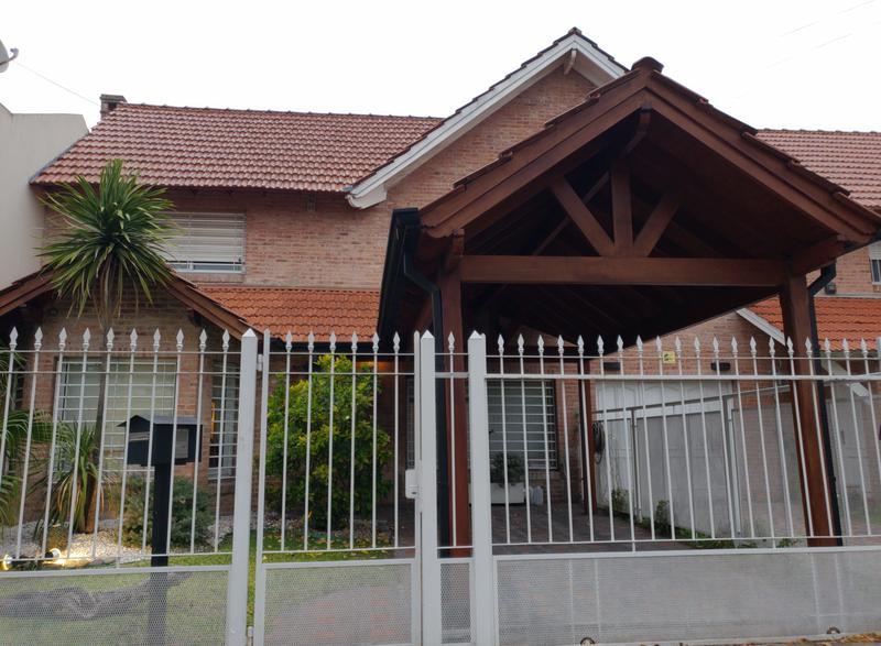 Foto Casa en Venta en  Castelar Norte,  Castelar  Alem al 3300