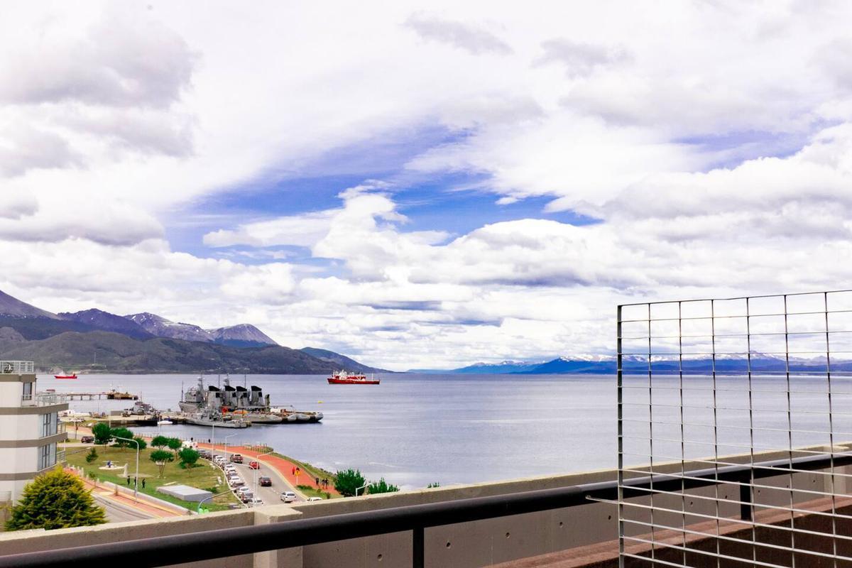 Foto Departamento en Alquiler en  Ushuaia ,  Tierra Del Fuego  Maipu y Rivadavia
