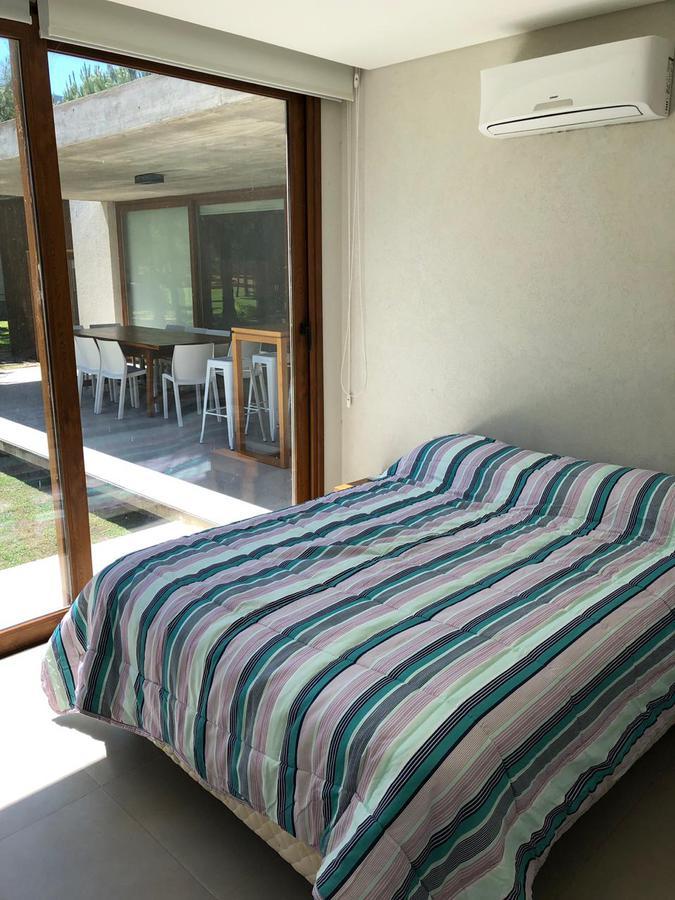 Foto Casa en Venta | Alquiler temporario en  Pinamar ,  Costa Atlantica          La Herradura