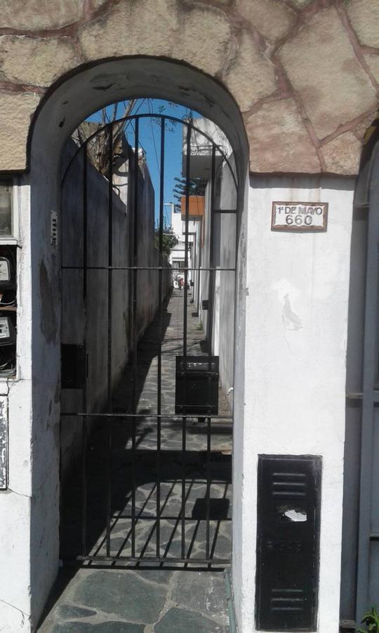 Foto PH en Venta en  Quilmes Oeste,  Quilmes  1º de Mayo 660