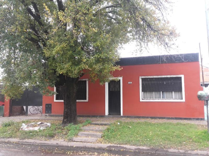 Foto Casa en Venta en  Barrio Parque Leloir,  Ituzaingo  Martín Castro al 2800