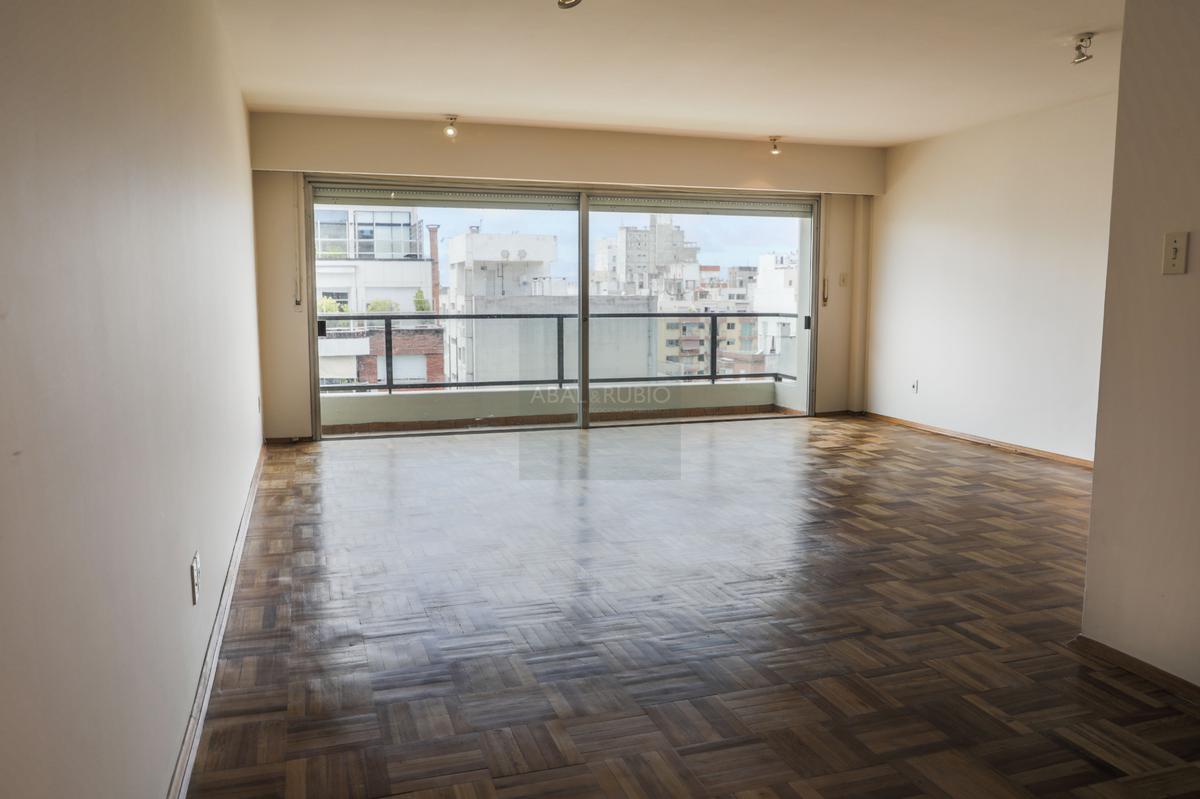 Foto Apartamento en Venta en  Pocitos ,  Montevideo    Excelente Planta con azotea exclusiva.