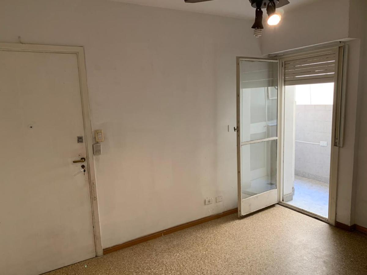 Foto Departamento en Alquiler en  Balvanera ,  Capital Federal  Alberti 200