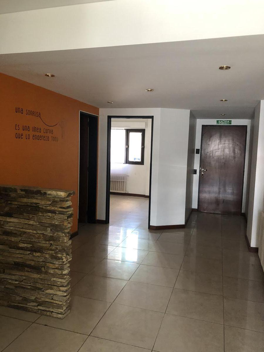 Foto Oficina en Venta en  Centro,  San Carlos De Bariloche  Calle Mitre al 600