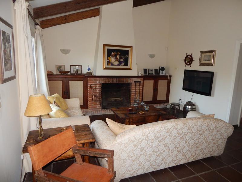Foto Casa en Venta en  Playa Mansa,  Punta del Este  Preciosa Casa en Playa Mansa a Solo Metros de La Rambla